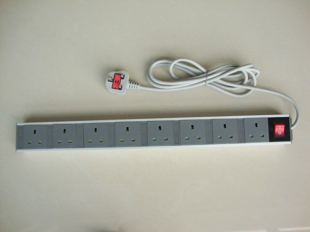 UK European Power Strip Power Distribution Units 8 Outlet with Aluminum Shell